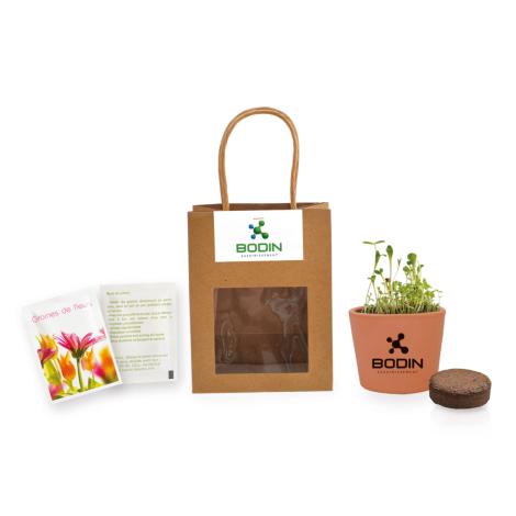 Kit de plantation dans un pochon en kraft personnalisable.