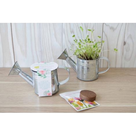 Kit arrosoir à graines personnalisable.