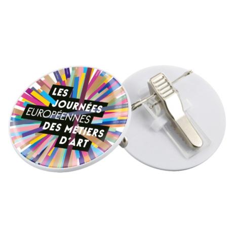 Badge pince-épingle