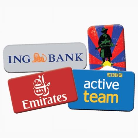 Badge publicitaire rectangle avec épingle ou aimant